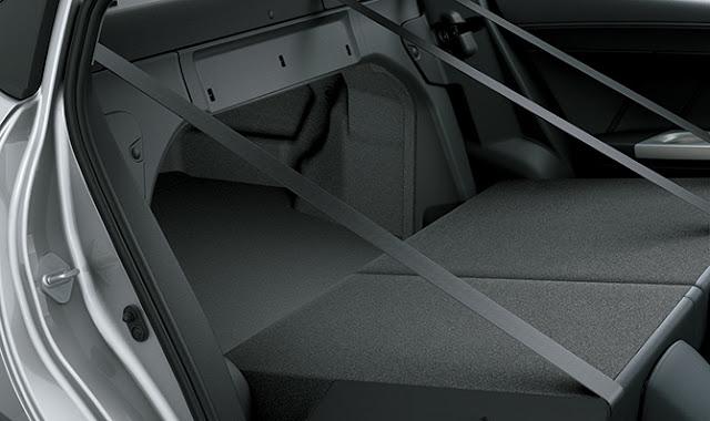 Vios có thể gập hàng ghế sau để thông với khoang hành lý