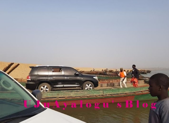 No Bridge? Sokoto Governor's Vehicle, Convoy Ferried Across A River With Boats (Photos)