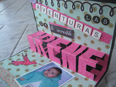 Libro pop up letras en relieve/ Pop-up book / Livre pop-up