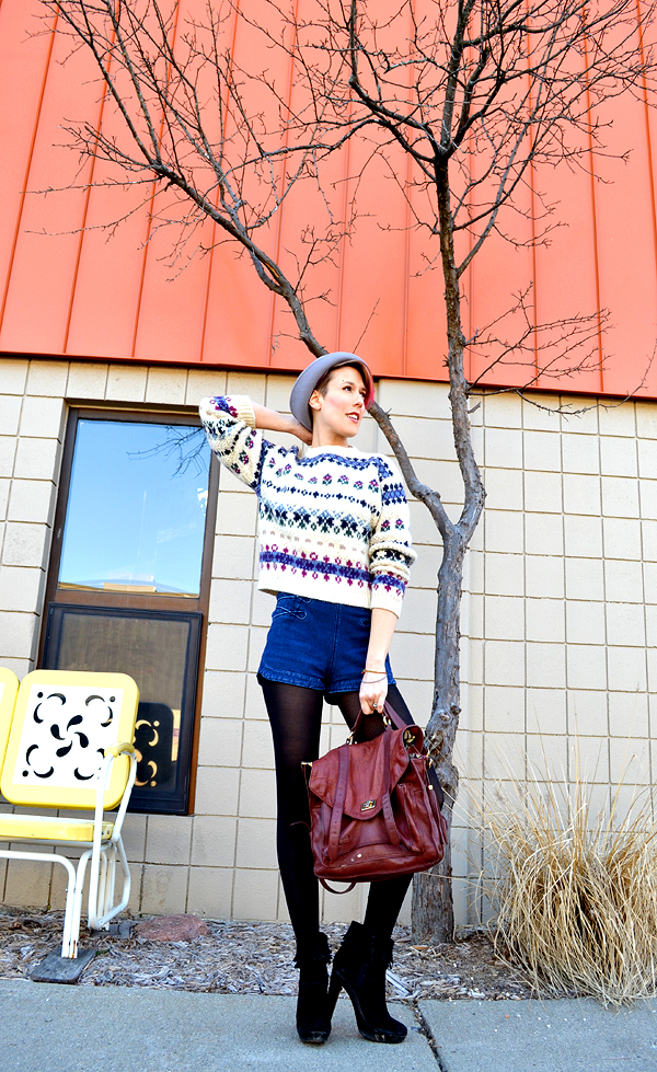 dressed up like a lady: Ways to keep warm: Thick sweaters