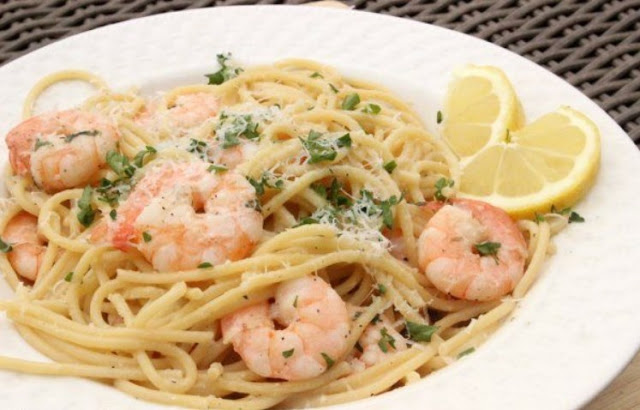 Lemon Garlic Shrimp Scampi #pasta #shrimp