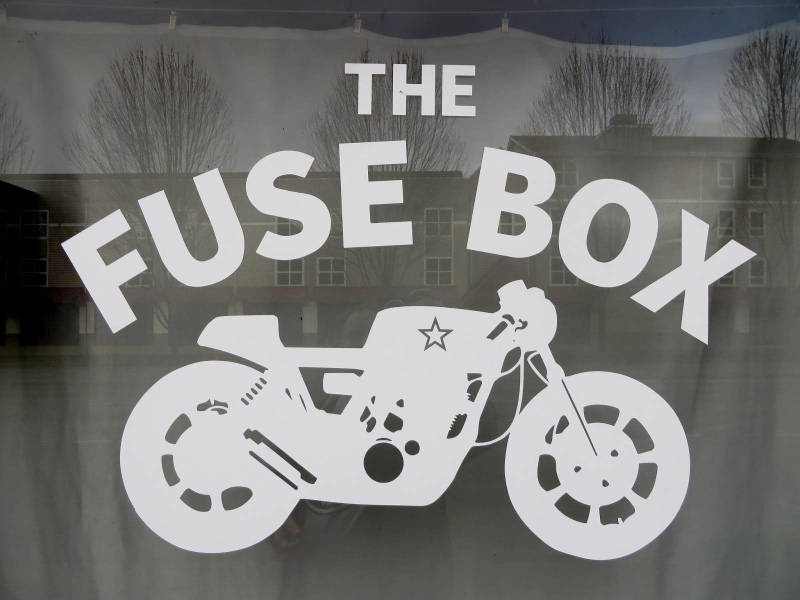 fusebox 20140404 042 seattlebars org 2494 s1233 the fuse box moto tavern, seattle fuse box seattle at gsmportal.co