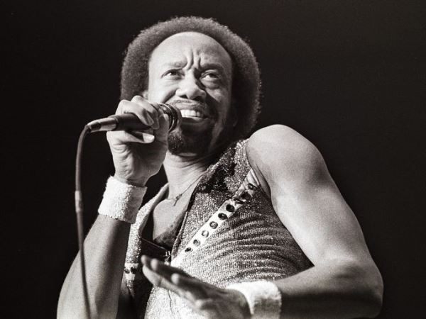 Έφυγε ο Maurice White, ιδρυτής και τραγουδιστής των Earth, Wind & Fire.