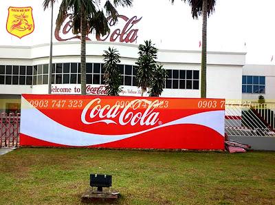 In băng rôn quảng cáo coca cola 01