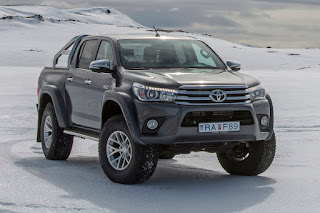 Toyota Hilux AT35 Double Cab (2018) Front Side 2