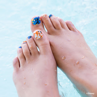 Go on the journey with your friends and family along with Disney•Pixar Dory! Jamberry