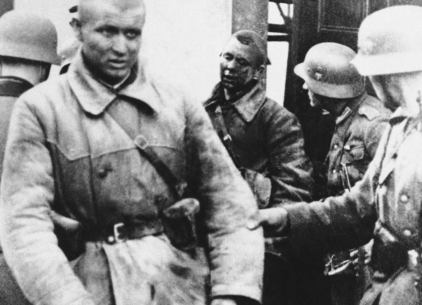 Russian prisoners of war, taken by the Germans on July 7, 1941.