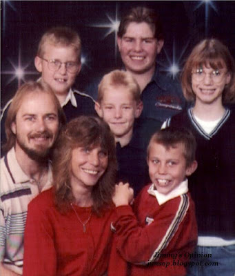 Family picture showing Jimmy, Cindy, and five children