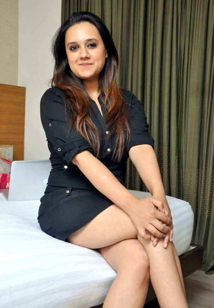 girl sexy legs indian Desi