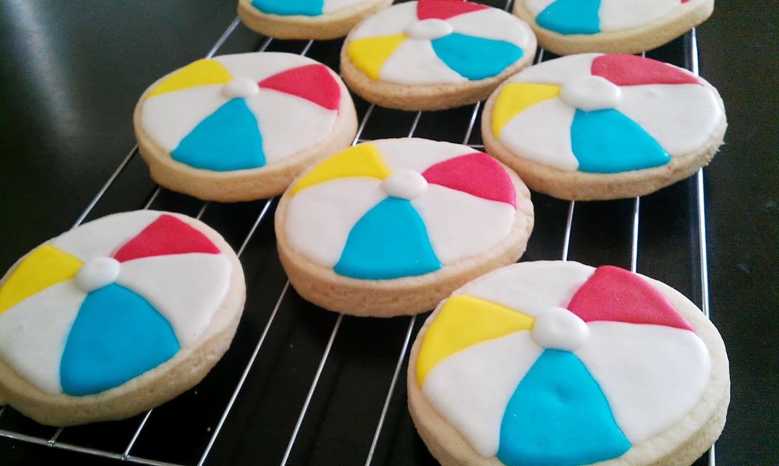 Cake Geniuses: Flip Flop and Beach Ball Cookies