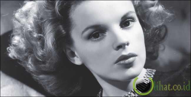 Judy Garland Pernah Coba Bunuh Diri