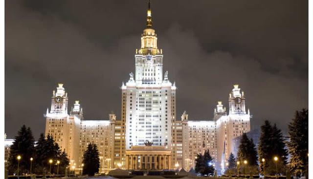 """Na Rússia tradicional universidade tem curso de graduação de """"Hacker Profissional""""."""