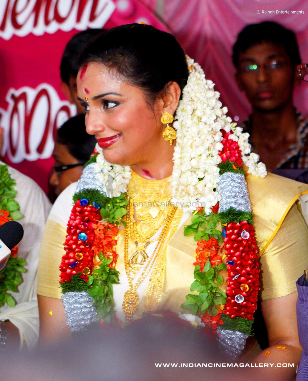 Swetha Menon Wedding Photos:speech MagazineTitle Blog