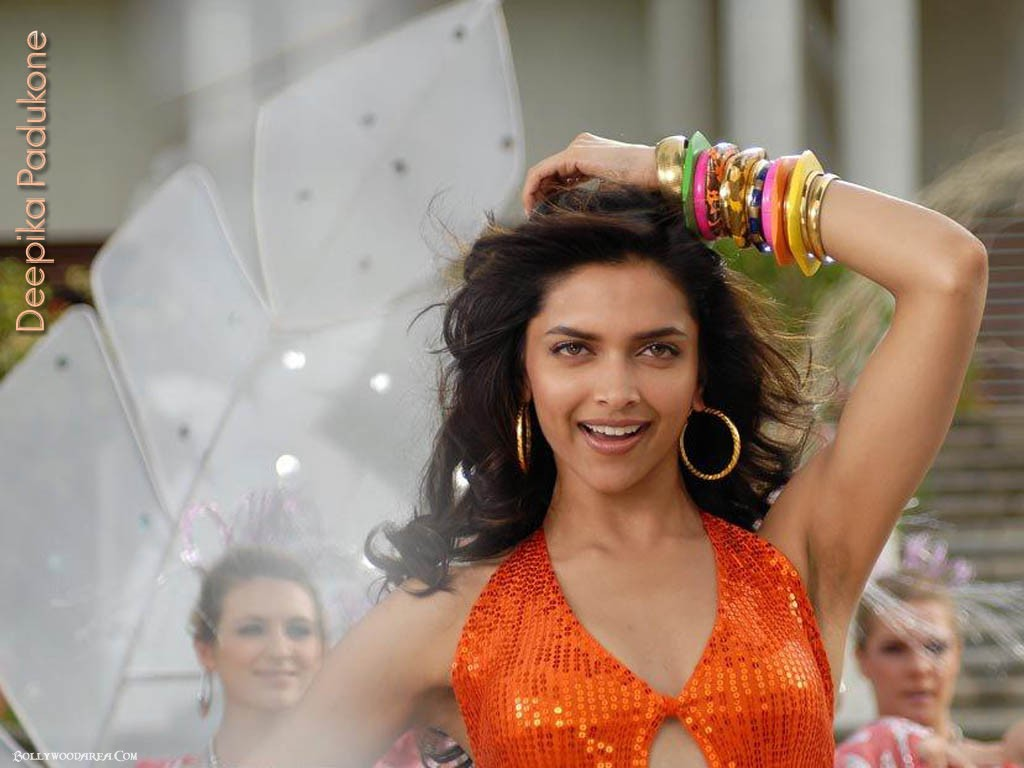 Nangi Indian Actress Sexy Wallpaper - Bolly Actress Pictures-4719