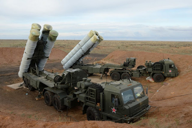 A capacidade dos sistemas de defesa S-300 e S-400 da Rússia na Síria representam um desafio muito real para a capacidade dos Estados Unidos em operar nessas zonas sem sofrer consequências devastadoras