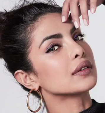 Priyanka chopra height,miss world,songs,movies,age,video,biography,bikini,new movie,family,filmographie,feet,profile