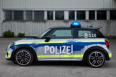 Mini John Cooper Works 3-Door Hatch Polizei (2018) Side