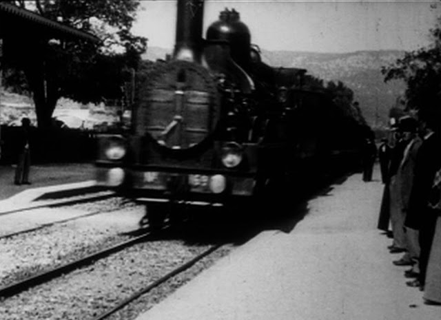 escena del tren llegando a la estación, de los Lumiere