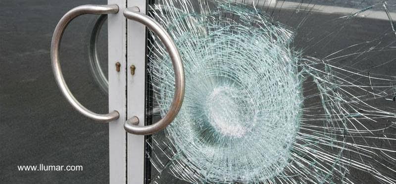 Film de seguridad en vidrio de puerta exterior