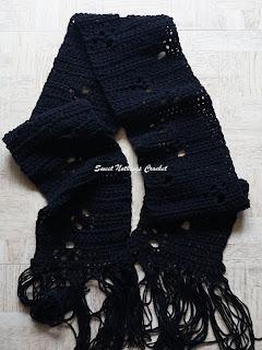 free crochet paws scarf pattern