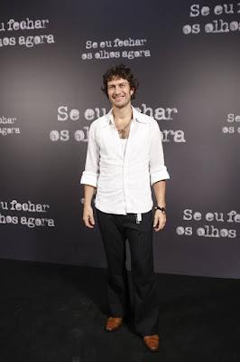 Gabriel Braga é Geraldo, parceiro da personagem vivida por Mariana Ximenes: 'O casal é muito intenso'
