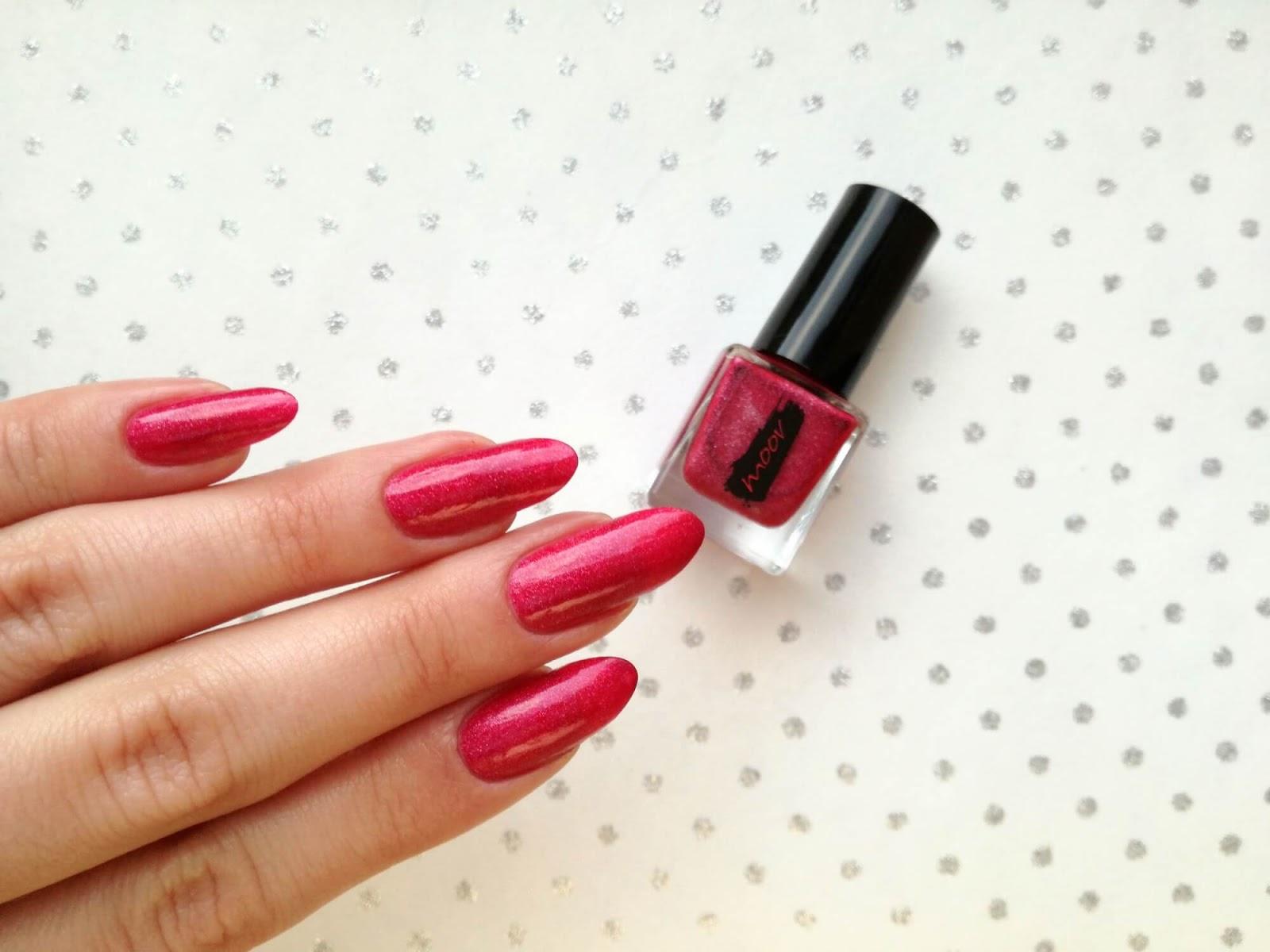 różowe paznokcie moov
