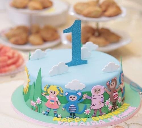 majlis hari jadi yahaira leanne, kek birthday yahaira leanne, gambar yahaira leanne, ucapan hari jadi lisa surihani dan yusry buat anaknya