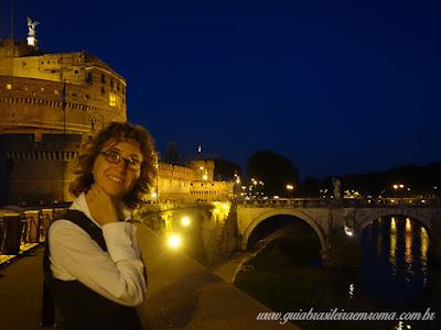 patricia guia brasileira roma passeio noturno - Castel Sant'Angelo de noite