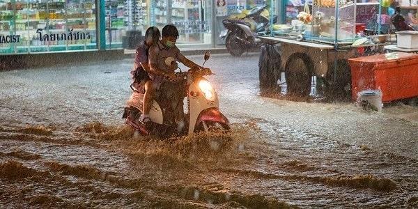 Inilah 4 Penyebab Motor Mogok Saat Menerjang Banjir