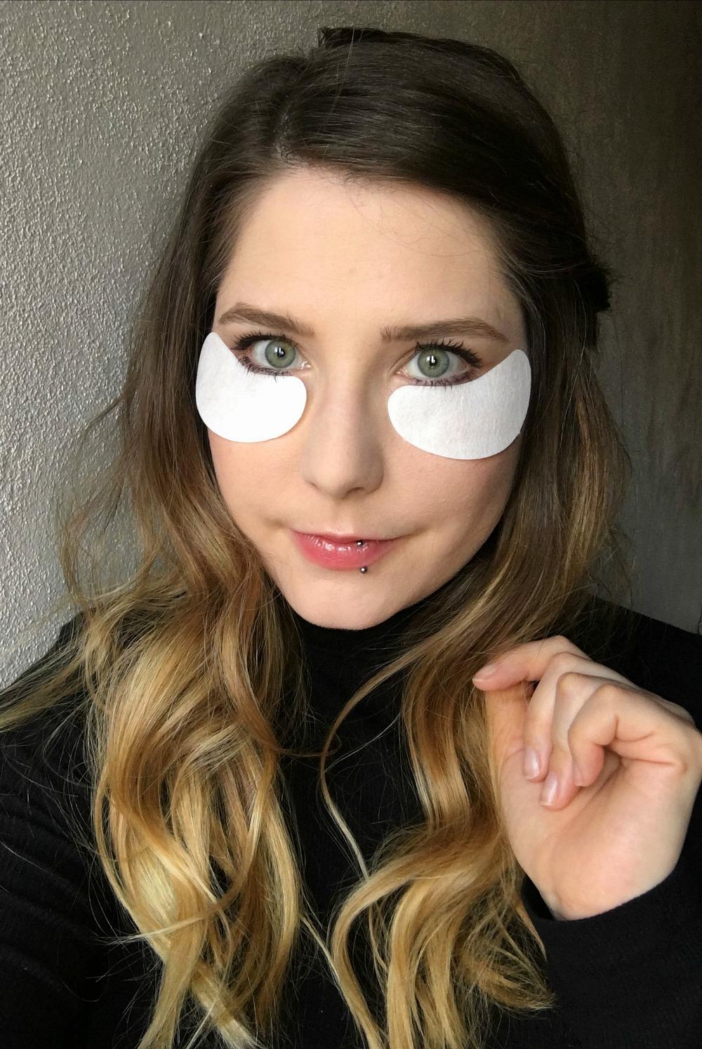 Wearing the VII Code Oxygen Eye Mask