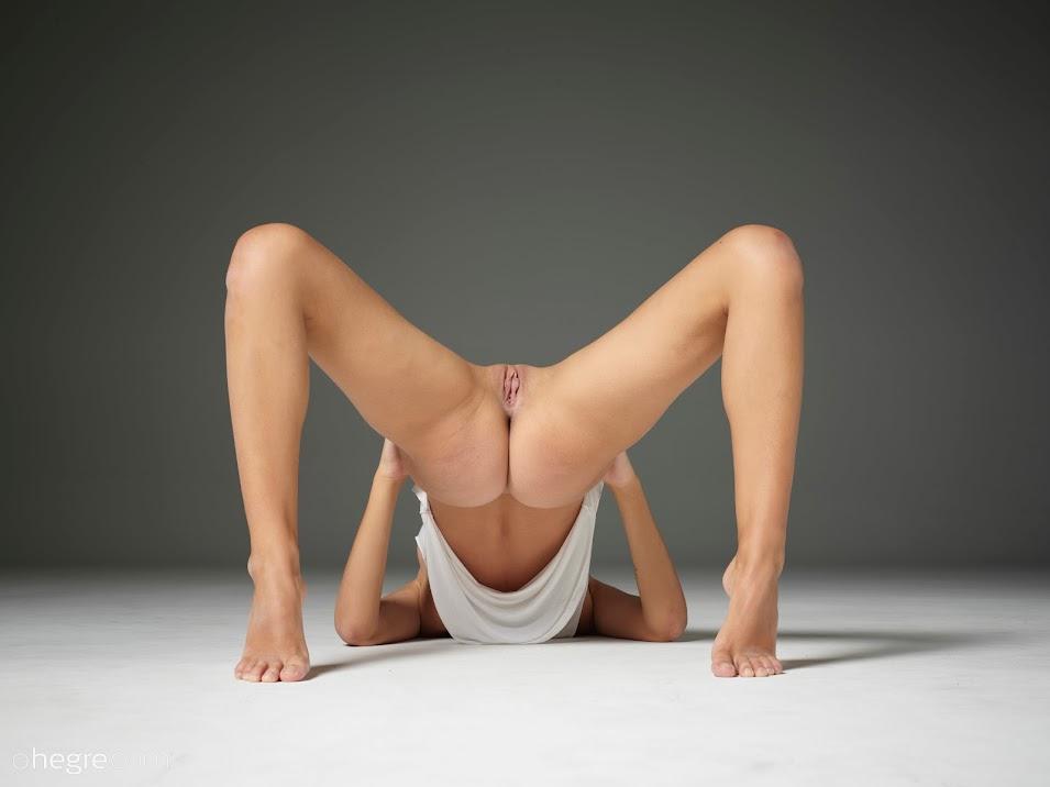 Hegre Ariel Ultra Nudes 1wffodoabzqv