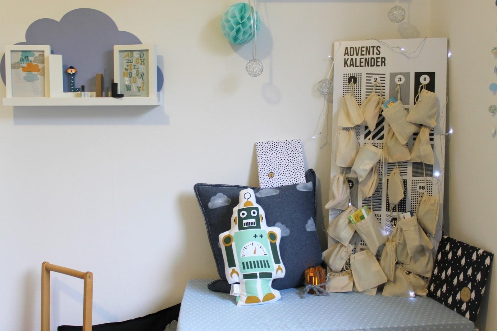 kleines freudenhaus diy adventskalender f r kinder und alle schwarz wei fans. Black Bedroom Furniture Sets. Home Design Ideas