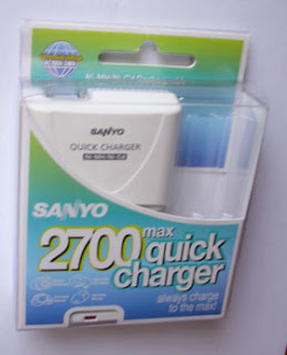 Sanyo AA and AAA battery charger
