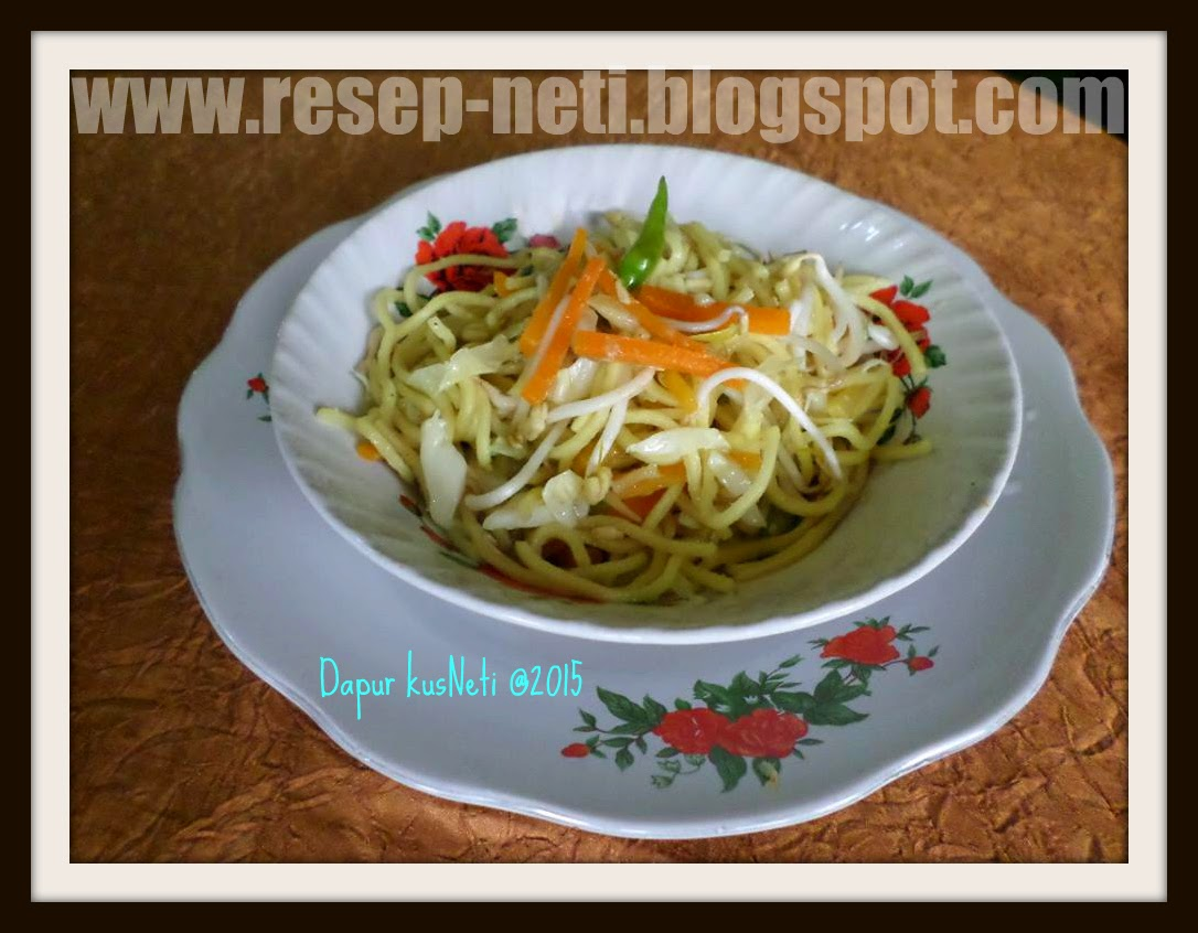 Vegetable stir fry noodles at kusNeti kitchen @2015