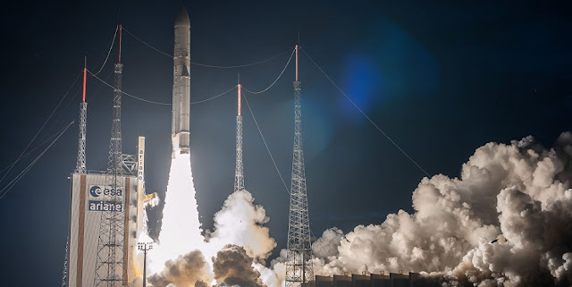 Flight VA236's Ariane 5 begins its climbout on the launcher's 78th consecutive success. Credit: Arianespace