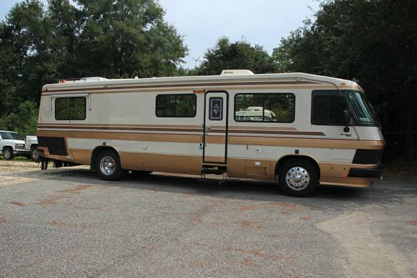 used rvs 1990 monaco crown royale diesel pusher for sale by owner. Black Bedroom Furniture Sets. Home Design Ideas