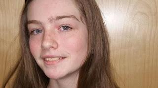 Έσπασαν την πόρτα και αντίκρισαν την σκελετωμένη 16χρονη στο πάτωμα. Σοκαρισμένοι οι αστυνομικοί δεν πίστευαν ότι