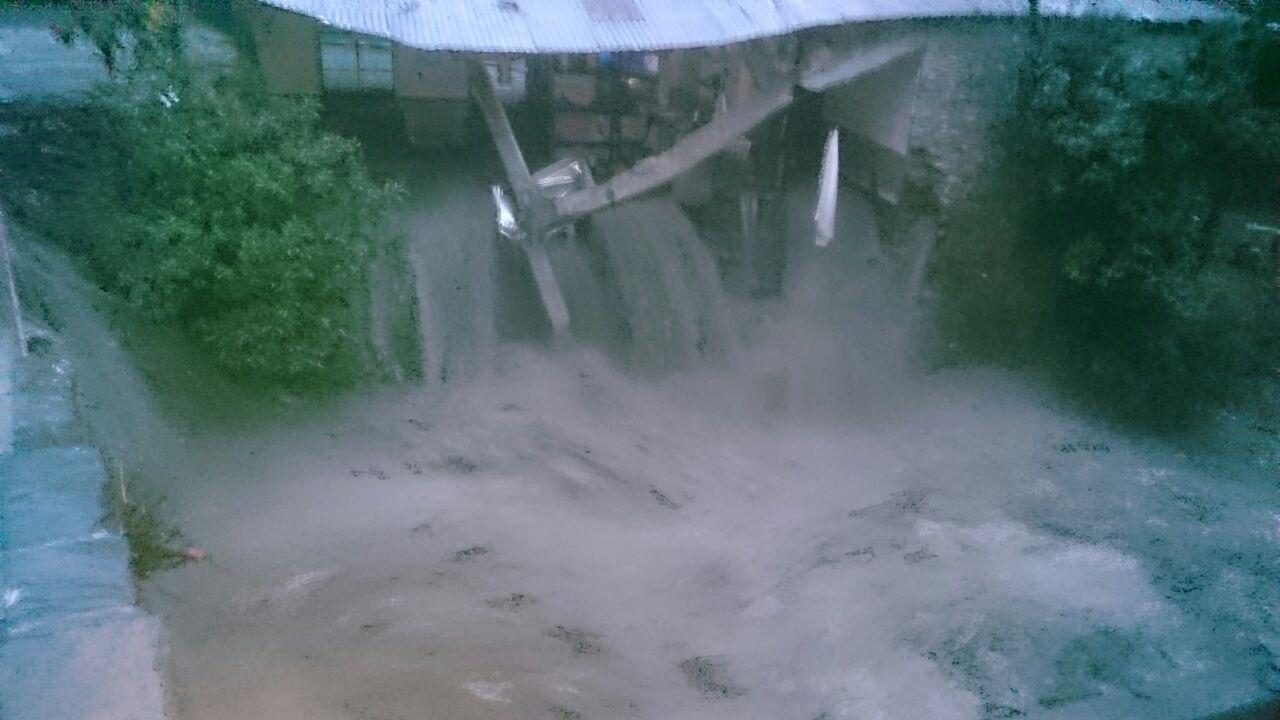 La riada provocó derrumbes y corte de vías que ahora también serán bloqueadas / RADIO LÍDER