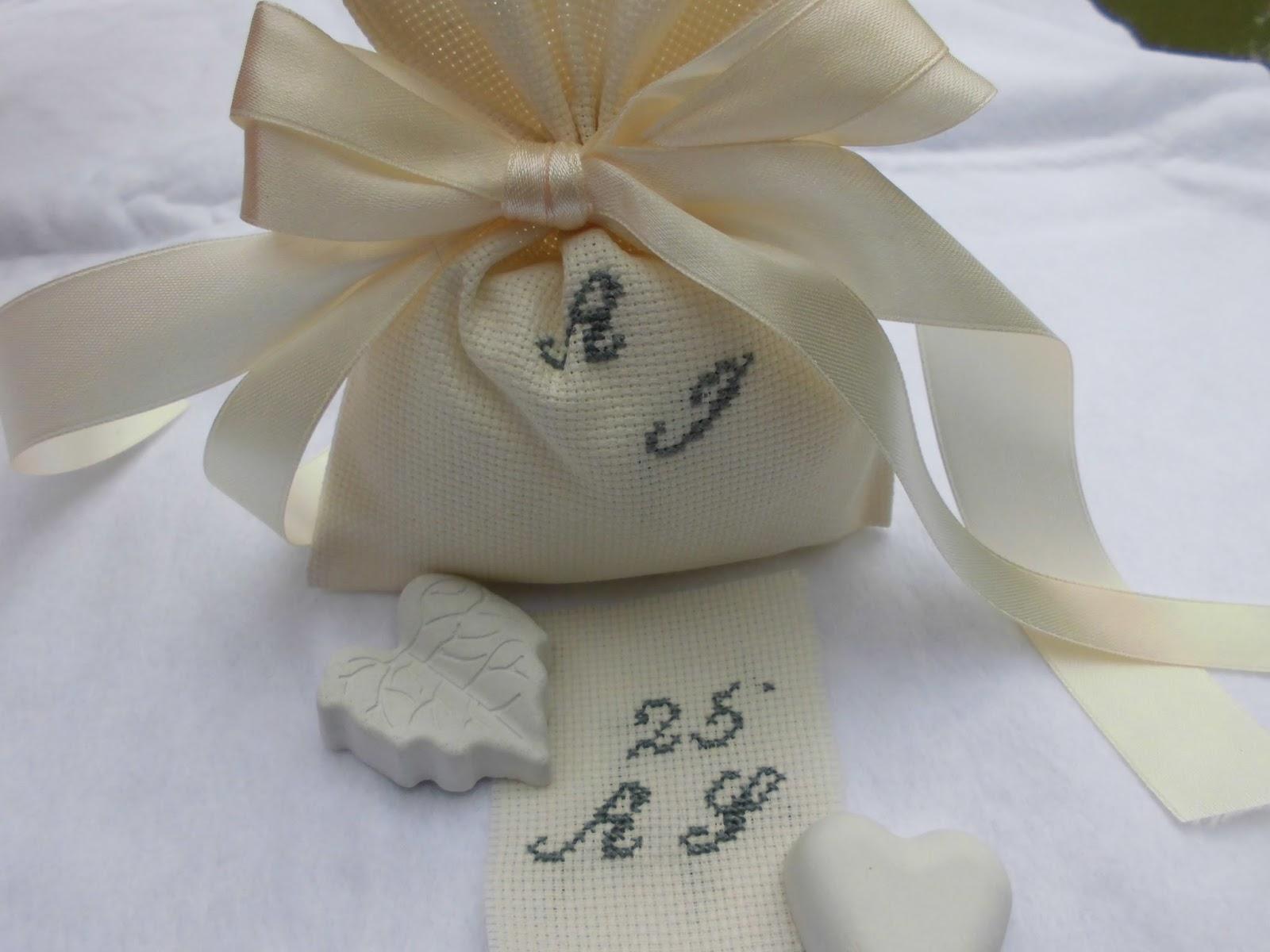 Favoloso bomboniere ricamate di sara: bomboniera 25 anni di matrimonio WD69