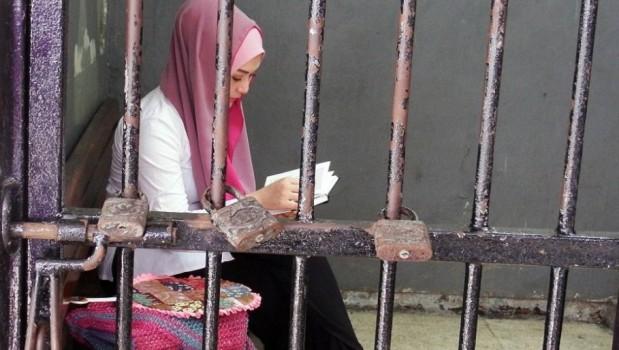 Pukul Siswa Pakai Sajadah, Guru Agama ini Dilaporkan ke Polisi Oleh Orangtua Siswa