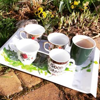 7.27 rankiem, szybka kawka, herbatka przed pacą, w miłym towarzystwie... dzień dobry