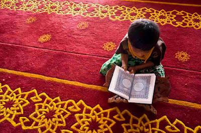 alquran dibaca anak kecil