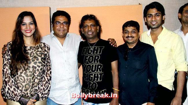 Tanisha Singh, Madhavi Shrivastava, Sajan Agarwal and Amit Gupta, Tanisha Singh at 'Game Paisa Ladki' Song Recording