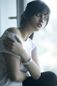 nandita swetha new photo shoot-thumbnail-3
