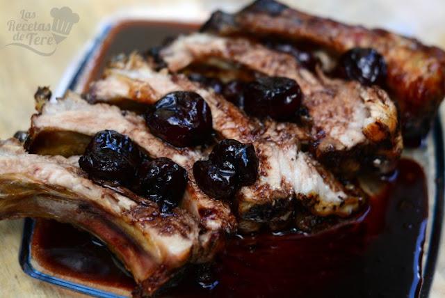 Costillas de cerdo con salsa de picotas y vino moscatel 04