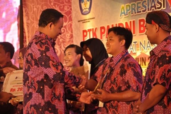 Jawa Tengah Juara Umum Apresiasi Guru dan Tenaga Kependidikan Berprestasi 2015