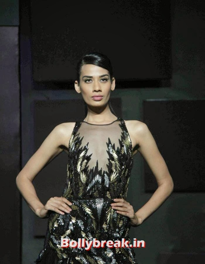 Sony Kaur, Gavin Miguel Show at Blenders Pride Fashion Tour 2013