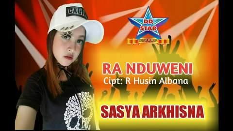 Foto Penyanyi Sasya Arkhisna