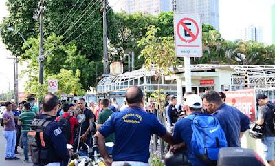 Guardas Municipais de Recife (PE) entram em greve e dizem que passam constrangimento por falta da carteira funcional
