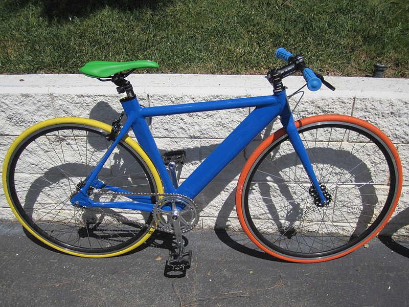 Modifikasi Sepeda Fixie Full ColorModifikasi Sepeda Fixie